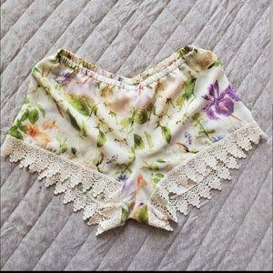 Show Me Your Mumu Bri Lacey Shorts
